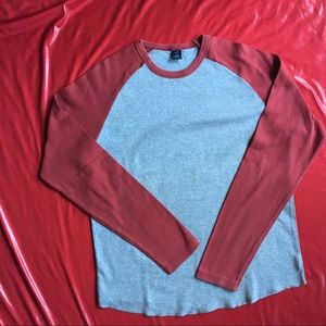 Gap Tee Shirt Red And White Size SP ( Junior)